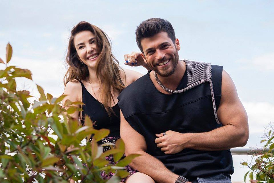 Can Yaman . GRATIS - Sitio web del actor turco